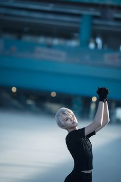 YURI!!! on ICE - NatsuKagura(夏神樂) Victor Nikiforov Cosplay Photo - Cure WorldCosplay