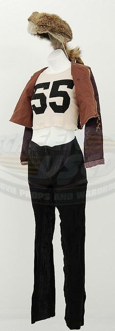 Tank Girl movie outfits for Tank Girl (Lori Petty) & Jet Girl (Naomi Watts)! Lori Petty, Jet Girl, Costumes Couture, Tank Girl, Blonde Hair, Movie Outfits, Bell Sleeve Top, Cosplay, Carrie