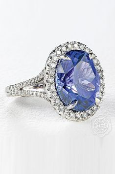 The Tacori engagement rings may drive crazy any girl. We will help you to choose the ring; Tacori Engagement Rings, Dream Engagement Rings, Diamond Rings, Gold Rings, Gemstone Rings, Gifts For Wife, Or Rose, Jewelry Gifts, White Gold