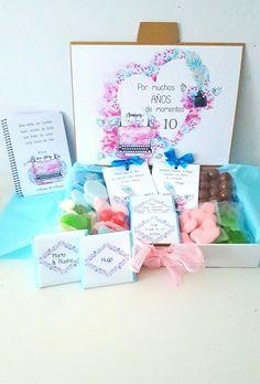 #Cajadegolosinas, #chocolatinas personalizadas, #libreta y #mensajesbonitos. #regalosnovios #regalosoriginales #candybox #regalosparejas #regalosboda #wedding