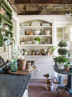 A Garden Room Makeover - % For today's post I thought I'd share with you an impressive room transformation that I've been admiring for a while now, the garden room at Star Bright Farm owned by talented photographer Helen Norman and her… View Post Farmhouse Lighting, Farmhouse Decor, Fresh Farmhouse, Rustic Decor, Estilo Kitsch, Cuisines Design, Home And Deco, House And Home Magazine, Home Interior