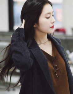 Red Velvet Irene, Sooyoung, Airport Style, Seulgi, Face Shapes, South Korean Girls, Kpop Girls, Korean Fashion, Celebrities