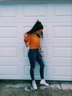 Elena,este o fată care își întâlnește iubirea vieții. Pițipoanca școa… #adolescenți # Adolescenți # amreading # books # wattpad