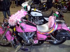 """Hello Kitty Pink Honda Aero @ swapmeet in Vermont submitted by earlbear Earlbear spotted this """"Hello Kitty""""-inspired bike at a swap meet. wendyvee says: If the owner of this bike happens to stumble upon this post -- please give me a shout! Hello Kitty Bike, Pink Hello Kitty, Kitty Kitty, Pink Motorcycle, Happy Birthday Man, Harley Davidson Trike, Pink Bike, Ducati, Cool Cats"""
