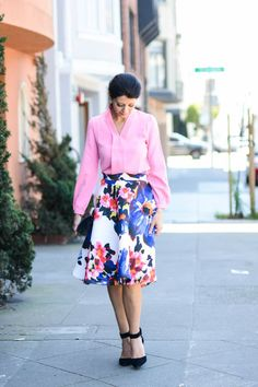 Colorful Midi Skirt | how to wear a floral skirt | how to style a floral skirt | summer fashion | summer style | summer outfit ideas | outfit ideas for summer | fashion tips for summer | style ideas for summer | warm weather fashion || The Girl in the Yellow Dress