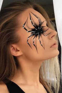 Halloween make-up ideas are extremely versatile and sometimes difficult - Make . Halloween make-up Cool Halloween Makeup, Halloween Inspo, Halloween Looks, Scary Halloween, Halloween Party, Spider Halloween Costume, Facepaint Halloween, Halloween Decorations, Halloween Face Paintings
