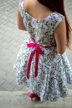 Ptaki w ogrodzie sukienka rozm 36-38 w Natabo na DaWanda.com Summer Dresses, Etsy, Fashion, Moda, Summer Sundresses, Fashion Styles, Fashion Illustrations, Summer Clothing, Summertime Outfits