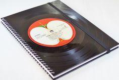 Notizbuch Schallplatte THE BEATLES von VinylKunst Aurum - Schallplatten Upcycling der besonderen ART auf DaWanda.com