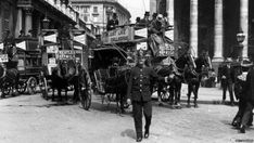 A London policeman on traffic duty in Piccadilly circa 1910 Old London, London City, Thriller Novels, London Photos, Historical Pictures, British History, Back In The Day, Embedded Image Permalink, Old Pictures