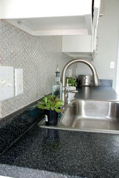 Gray round ceramic penny tile, kitchen backsplash (how to!) | www.livelygreendoor.com