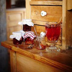 Pečený čaj na zahřátí V60 Coffee, Liquor Cabinet, Diy And Crafts, Coffee Maker, Recipies, Kitchen Appliances, Homemade, Home Decor, Liquor