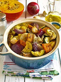 Warzywa zapiekane po gospodarsku pełne słońca :) Ratatouille, Pot Roast, Dinner, Vegetables, Ethnic Recipes, Kitchen, Food, Carne Asada, Dining