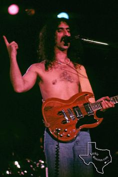 Frank Zappa - Oct 1976 at Hofheinz Pavilion Frank Vincent, Rock N Roll, Rock Rock, Famous Musicians, Frank Zappa, Band Posters, Music Guitar, Jim Morrison, Concert Posters