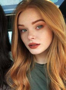 red hair Long Dark Root Blonde Synthetic Wig Ocean Wavy Glueless Synthetic Front Lace Wigs for Women Red Hair Makeup, Redhead Makeup, Makeup For Redheads, Blonde Redhead, Redhead Girl, Pale Skin Makeup, Pretty Redhead, Girls With Red Hair, Red Hair With Blue Eyes