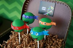 TMNT Birthday Party by Tania's Design Studio www.taniasdesignstudio.etsy.com  Cake pops by Carmen's Sweet Creations