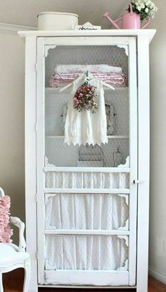 The Shabby Chic décor style popularized by Rachel Ashwell and Arhaus seeks to have an opulent vintage look. Shabby Chic furniture is given a distressed look by covered in sanded milk paint. Shabby Chic Bedrooms, Chic Decor, Chic Home Decor, Repurposed Furniture, Home Decor, Old Screen Doors, Shabby Chic Homes, Chic Furniture, Shabby Chic