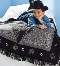 ~ Wrangler Warm-Up ~ Fringed Bandana Quilt Vintage Halloween - Public Domain halloween Quilt Baby, Rag Quilt, Quilt Blocks, Bandana Quilt, Bandana Crafts, Western Quilts, Southwest Quilts, Summer Quilts, Sewing School