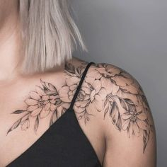 Charming Shoulder Tattoo Designs For Women shoulder tattoos; small tattoos for women. small tattoos for women. Fake Tattoos, Hot Tattoos, Trendy Tattoos, Small Tattoos, Temporary Tattoos, Mini Tattoos, Drawing Tattoos, Tattoo Shading, Woman Tattoos
