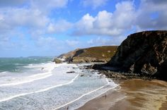 Poldark has been voted as the favourite TV filming location of 2015, beating the likes of Game of Thrones to the top spot! Cornwall has done it again!