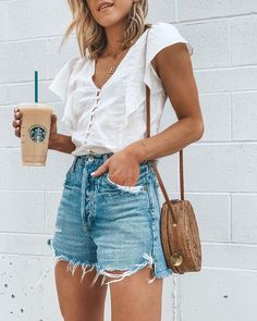 🖤☕️ I'm wearing my favorite denim jeans shorts- love the… Weekend ready. 🖤☕️ I'm wearing my favorite denim jeans shorts- love the flattering high waist fit and they cover your bum🙌🏻 ps- my top is… Spring Outfit Women, Simple Summer Outfits, Summer Shorts Outfits, Spring Outfits, Summer Jeans, High Waisted Shorts Outfit, White Tshirt Outfit Summer, Outfits With Jean Shorts, Denim Shorts Outfit Summer