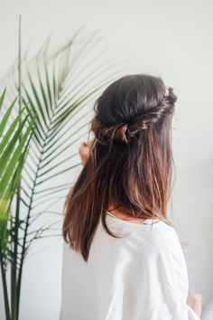 Half Up Headband Roll, via @tandtblog