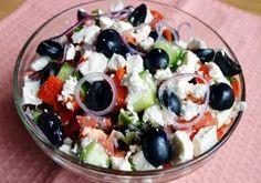 """Vă prezentăm top 3 rețete a celor mai delicioase salate fără maioneză. Acestea se prepară foarte simplu, din cele mai accesibile și naturale ingrediente. Obțineți un aperitiv deosebit de delicios, aromat și aspectuos, ce poate fi servit atât la cina de familie, cât și la masa de sărbătoare. Datorită conținutului caloric redus, acesta este perfect pentru cină. Rețeta Nr.1 – Salată """"Praga"""" INGREDIENTE -300 g piept de pui -4 ouă -1-2 castraveți proaspeți -1 morcov -ceapă verde… Soup And Sandwich, Russian Recipes, Diabetic Friendly, Fruit Salad, Acai Bowl, Salads, Sandwiches, Food And Drink, Health Fitness"""