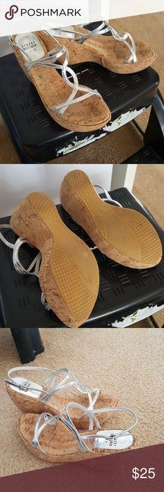 🔴super cute summer wedges. Platform Stuart Weitzman Shoes Platforms