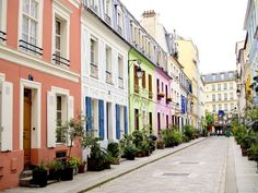 Rue Crémieux, in the 10th arrondissement near Gare de Lyon, is definitely the most beautiful street in Paris. See for yourself!