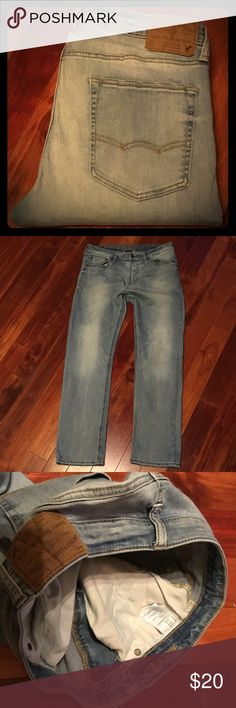 NWOT American Eagle original straight active fit Men's sz 33 x 30 new jeans - factory faded and distressed these are super clean and ready for lots of wear American Eagle Outfitters Jeans Straight