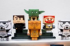 Star Wars LEGO papercraft characters made from free printables from cubeelog