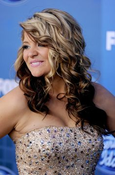 LOVE her hair, wonder if i could pull off the two color look??