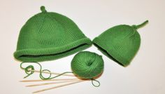 Knit your own CBeebies Sarah and Duck iconic green woolly from the loved BBC Children's TV show. Knitting Patterns Free, Free Knitting, Baby Knitting, Crochet Patterns, Duck Scarves, Sarah Duck, Homemade Costumes, Fabric Yarn, Knitting Projects