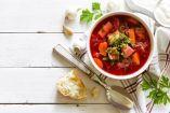 Συνδύασε το τερπνόν μετά του ωφελίμου! Φτιάξε σούπα με λαχανικά και μοσχάρι κερδίζοντας τόσο τη γεύση και την απόλαυση όσο και τις θρεπτικές αξίες του...