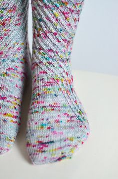 Patterns for knitting speck-tacular socks! Round Up.