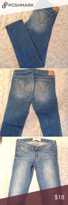 Hollister jeans Size 5 regular hollister boot cut jeans. Worn once with no sin of wear Hollister Jeans Straight Leg