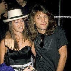 A young Jon Bon Jovi with lovely wife Dorothea @jonbonjovifanpage | Instagram