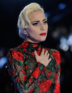 Empêche-t-on Lady Gaga de donner son avis sur Donald Trump ? Connue pour ses positions contre le nouveau président, la chanteuse est aussi réputée pour ne pas avoir sa langue dans sa poche. A chacun de ses concerts, elle exprime ses opinions politiques. Début février, Lady Gaga sera regardée par des dizaines de millions de......