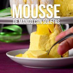 La combinación de mango con crema para batir, te va a encantar es ideal para las disfrutar en familia o para regalar a esa persona especial. Easy Cake Recipes, Sweet Recipes, Dessert Recipes, Sweet Desserts, Delicious Desserts, Yummy Food, Mango Recipes, Mexican Food Recipes, Comida Diy