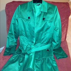 Ladies jacket Green, belted ladies jacket -Polyester/cotton- Lined. Great condition. No stains. Jackets & Coats