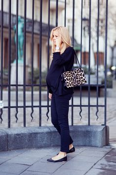 Great maternity style for a busy work day