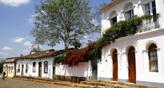 Estrada Real: como percorrer o caminho mais famoso do Brasil Colônia | MATRAQUEANDO   Esta é Tiradentes, em Minas Gerais, Brasil.