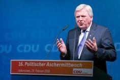 Volker Bouffier | Politischer Aschermittwoch der CDU Volkmarsen | Fotograf Kassel | Karsten Socher Fotografie http://blog.ks-fotografie.net/pressefotografie/angela-merkel-volker-bouffier-kwhe16-volkmarsen/
