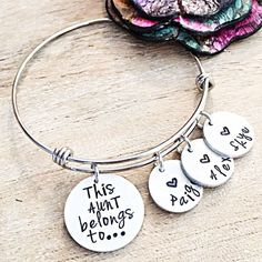 Aunt Gift, Gifts for Aunts, Bracelet for Aunt, Personalized Aunt Jewelry, Christmas Gift for A Christmas Gifts For Aunts, Xmas Presents, 30th Birthday Gifts, Birthday Quotes, Birthday Crafts, Auntie Gifts, Baby Love Quotes, Bracelets, Bangle Bracelet