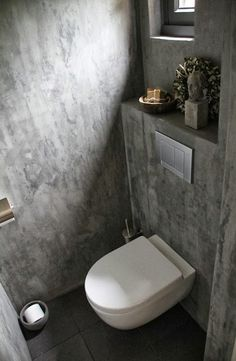 ♅ Dove Gray Home Decor ♅ grey bath with concrete walls for bathroombasement Industrial Toilets, Industrial House, Beton Design, Concrete Design, Bathroom Toilets, Small Bathroom, Concrete Bathroom, Concrete Walls, Small Toilet