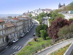 Vue depuis la rue Desaix à Angoulême (à 150m de l'Hôtel de Ville), France