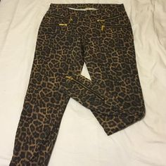 Michael Kors cheetah zip jeans Cheetah print with gold zippers on the front pockets and ankles. MICHAEL Michael Kors Jeans Skinny
