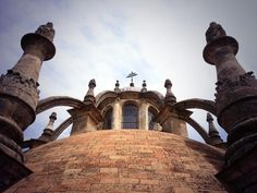 La linterna de la cúpula de la Sala Capitular de la Catedral de Sevilla (SICSevilla) en Twitter