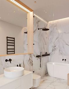Whether you're looking for bathroom remodeling ideas or bathroom pictures to support you update your archaic one, begin in the same way as these inspiring ideas for master bathrooms, guest bathrooms, and powder rooms. Modern Bathtub, Modern Bathroom Design, Bathroom Interior Design, Bath Design, Marble Interior, Kitchen Design, Modern Shower, Kitchen Tiles, Bathroom Designs