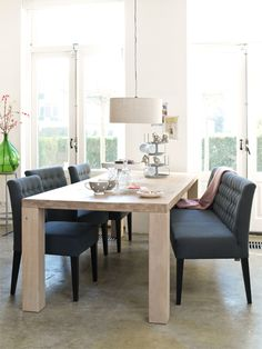 Superleuke stoeltjes en bank voor aan de eetkamertafel! Allen van Coming Lifestyle, en bij ons te bestellen.