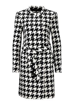 Coarse weave wool coat from s.Oliver. Discover the latest fashions online for women, men and kids and order with free delivery.